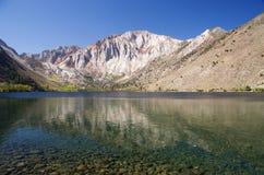 Riflessione alpina del lago Fotografie Stock Libere da Diritti