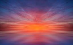 Riflessione crepuscolare del cielo Immagine Stock