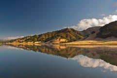 Riflessione del bacino idrico di Uvas Fotografie Stock Libere da Diritti