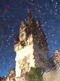 Riflessione del castello di Peles Fotografie Stock