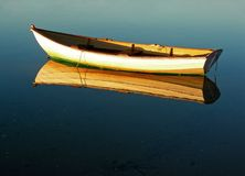 Riflessione del Dory del Capo Cod fotografia stock libera da diritti
