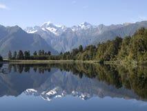 Riflessione del lago Matheson fotografie stock libere da diritti