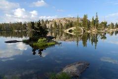 Riflessione del lago mountain Fotografia Stock Libera da Diritti