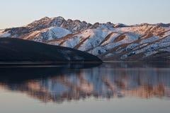 Riflessione del lago Topaz Immagine Stock