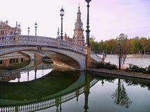 Riflessione del ponte sulla Spagna acqua Immagine Stock Libera da Diritti