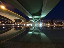Riflessione del ponte a Valencia Fotografie Stock