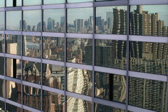 Riflessione dell'orizzonte di NYC immagini stock