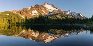 Riflessione della cartolina dell'Oregon fotografia stock