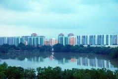 Riflessione della città di Singapore Immagini Stock