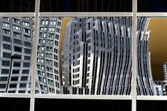 Riflessione della costruzione sopra Fotografia Stock