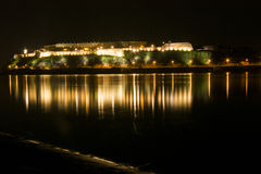 Riflessione della fortezza nel fiume Fotografia Stock Libera da Diritti
