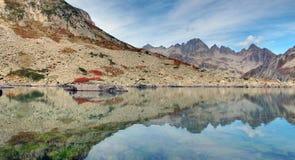 Riflessione della montagna immagini stock libere da diritti