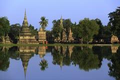 Riflessione di camminata del monaco Fotografia Stock Libera da Diritti
