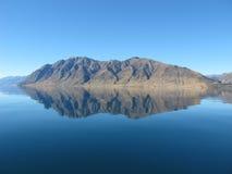 Riflessione di Hawea del lago fotografia stock