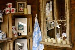 Riflessione di specchio di un'entrata della fattoria Fotografie Stock