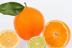 Riflessione di un arancio Immagini Stock