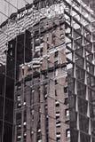 Riflessione di vetro della costruzione Immagine Stock
