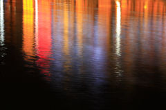 Riflessione leggera di superficie alla notte Fotografia Stock Libera da Diritti