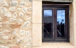 Riflessione mediterranea della finestra Immagini Stock Libere da Diritti