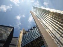 Riflessione moderna della costruzione Immagine Stock Libera da Diritti