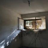 Riflessione nella stanza scura Fotografie Stock Libere da Diritti