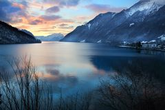 Riflessione sul lago svizzero Immagini Stock
