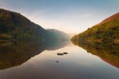 Riflessione superiore del lago Fotografie Stock