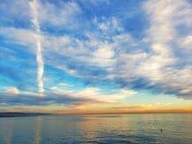 Riflessione variopinta del cielo fotografia stock