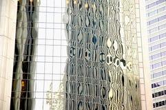 Riflessioni astratte dell'edificio per uffici di vetro Fotografia Stock