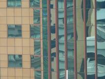 Riflessioni astratte delle costruzioni fotografia stock