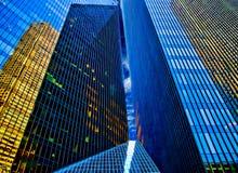 Riflessioni del grattacielo fotografia stock