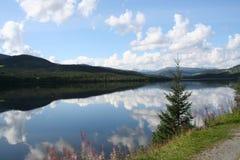 Riflessioni della montagna Fotografie Stock Libere da Diritti