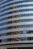 Riflessioni moderne del grattacielo Immagini Stock Libere da Diritti