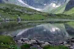 Riflessioni nel lago gemellato Fotografie Stock
