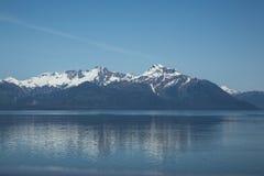 Riflessioni nella baia di ghiacciaio Fotografie Stock
