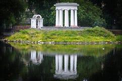 Riflessioni rotunda dell'acqua Fotografia Stock