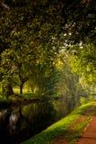 Riflessioni sull'acqua del canale Fotografia Stock