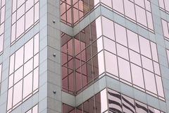 Riflessioni urbane della finestra Immagine Stock