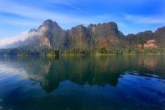 Riflesso della montagna, Tailandia Fotografia Stock Libera da Diritti