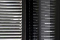 Rifletta della finestra dell'otturatore Fotografie Stock Libere da Diritti