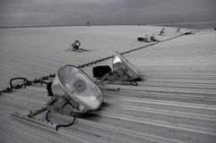 Riflettori dell'alogeno sul tetto del metallo Fotografia Stock Libera da Diritti