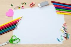 Rifornimenti di scuola con le pagine in bianco Immagini Stock Libere da Diritti