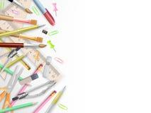 Rifornimenti di scuola su bianco con copyspace ENV 10 illustrazione vettoriale