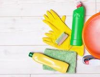 Rifornimenti ed attrezzature di pulizia Immagine Stock Libera da Diritti