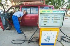 Rifornimento del servizio di combustibile Immagini Stock