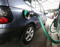 Rifornisca di carburante Immagini Stock