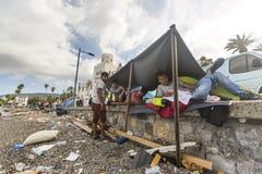 Rifugiati di guerra vicino alle tende Più mezzi sono i migranti dalla Siria, ma ci sono rifugiati da altri paesi Fotografia Stock Libera da Diritti