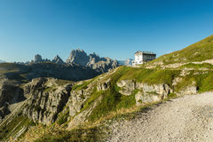 Rifugio Auronzo im backgroud Reisekonzept, Kopienraum, annoncierend Stockfotografie