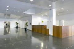 Rifugio dell'edificio pubblico Banco informazioni nessuno fotografia stock