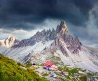 Rifugio Lacatelli in Nationaal Park Tre Cime di Lavaredo Stock Fotografie